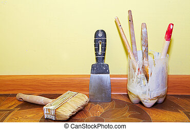 Plastering tools in the yellow room