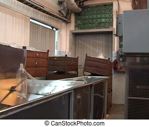 Plastic Bottle Blow Mold Production Injection. Automatic...