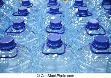 plastic flessen, van, water