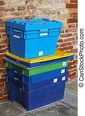 Plastic shipping crates
