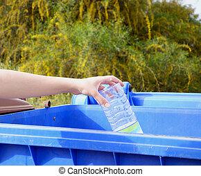 plastica, lancio, mano, bottiglia, rifiuti, vuoto
