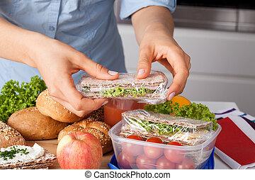 plat à emporter, femme, repas, préparer