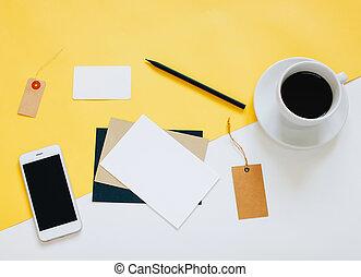 plat, espace de travail, café, photo, appelé, étiquette, espace, créatif, fond, poser, lettre, bureau, copie, smartphone, minimal