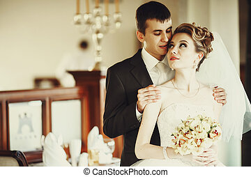 plataformas, dela, noivo, enquanto, noiva, atrás de, olha, bonito, ele