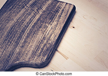 Plate made of wood