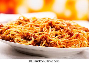 spaghetti bolognese - plate of of spaghetti bolognese