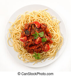 plate of spaghetti with tomato sauce and minced beef