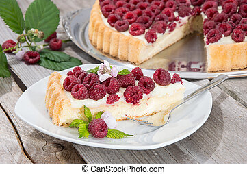 Plate with a piece of tart - Plate with a piece of fresh...