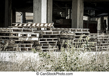 Platform, wooden pallet, building construction, concrete beams