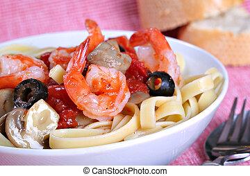 plato, cena de pasta, fettuccine, camarón