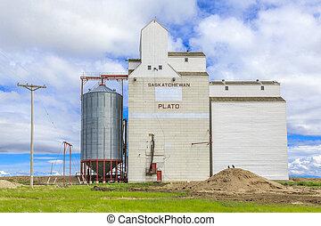 Plato Grain Elevator - Grain elevator in the small...