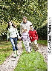 platteland, wandelende, door, gezin