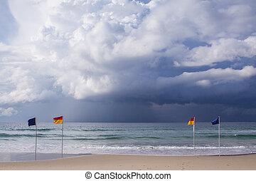 playa, banderas