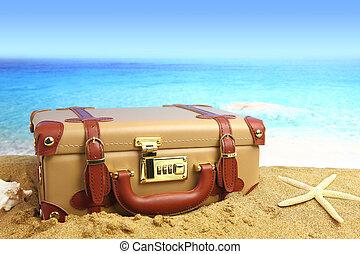 playa cerró, plano de fondo, maleta