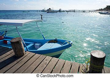 playa de caribbean, barco, en, madera, muelle