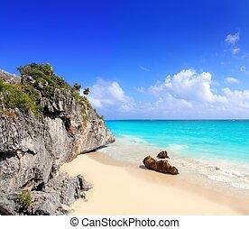 playa de caribbean, en, tulum, méxico, debajo, maya, ruinas