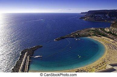 Playa del Amadores in Gran Canaria