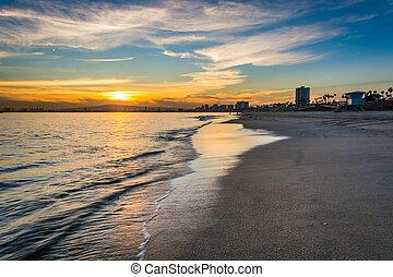 playa, encima, largo, océano, puesta sol pacífica, california.