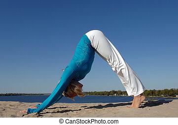 playa, mujer, practica, yoga