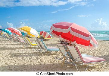 playa, umbrellas/parasols, cabanas, colorido, océano