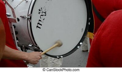player to beat the drum