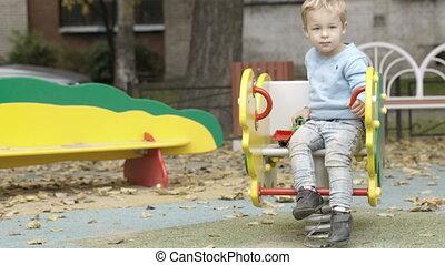 playground., garçon, peu