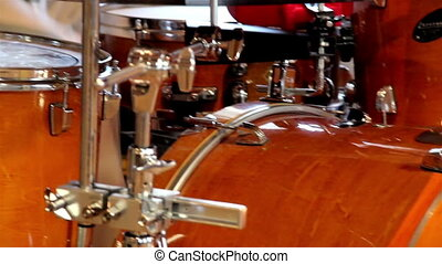 Playing the Drum set with a fine tune