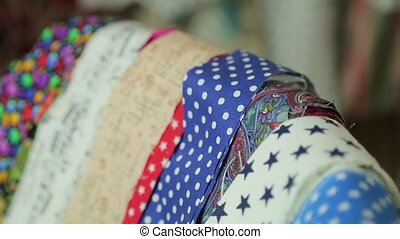 playpen, cravates, multicolore