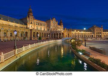 Plaza de Espana in Seville at night