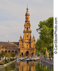 Plaza de Espana in Seville, Spain - Water Canal on Plaza de...