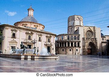 Plaza del al Virgen - Plaza of the Virgen in Valencia, Spain