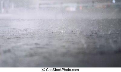 pleuvoir, lent, motion., il, pluie, puddle., coupure, 3840x2160, dehors., gouttes