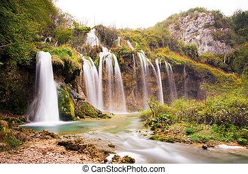 plitvice, onder, watervallen