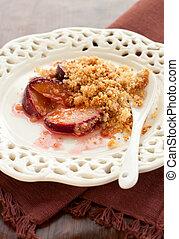 plum crumble - fruit crumble with plum