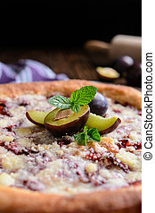 Plum crumble yeast cake with crumble - Delicious plum ...