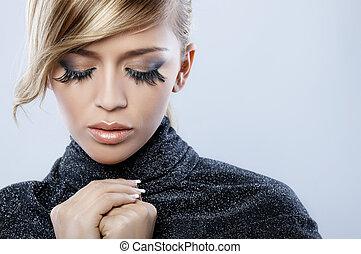 pluma, maquillaje