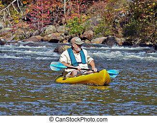 plus vieil homme, dans, kayak