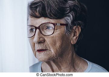 plus vieille femme, à, mémoire, problèmes