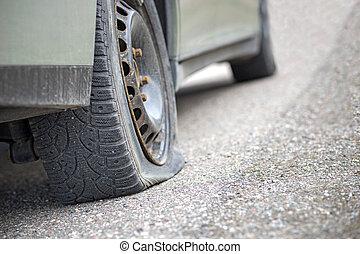 pneu plat