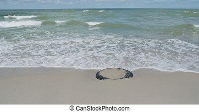 pneu, sand., succès, enterré, zelenogradsk, vieux, plage, vagues, voiture, russia.