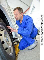 pneus, evaluer, fourgon, mécanicien