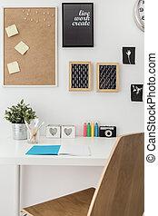 poço, organizado, escrivaninha