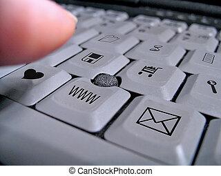 počítač na klín klaviatura