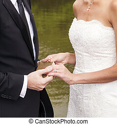 poślubna para, czas teraźniejszy czasownika be, przysięgając, życie, loyality
