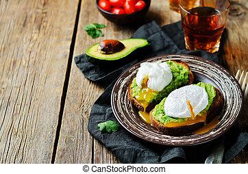 Poached egg Avocado Rye Toasts