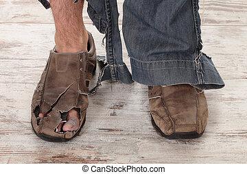 pobre, pés