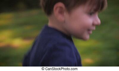 poche, coup, de, a, petit garçon, courant, et, prendre, a,...