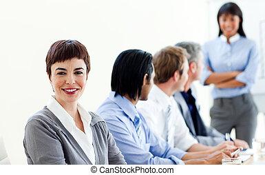 pociągający, jej, koledzy, kobieta interesu, spotkanie