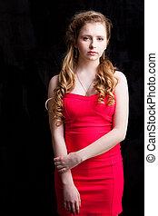 pociągający, młoda dziewczyna, chodząc, czerwony strój, na,...
