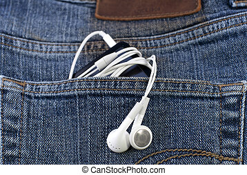 pocket muisic - an mp3 player in the jeans pocket
